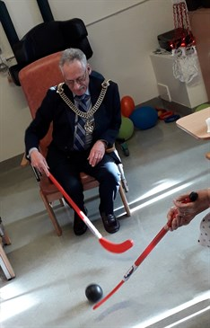 Lord Mayor of Canterbury enjoys hockey with patients